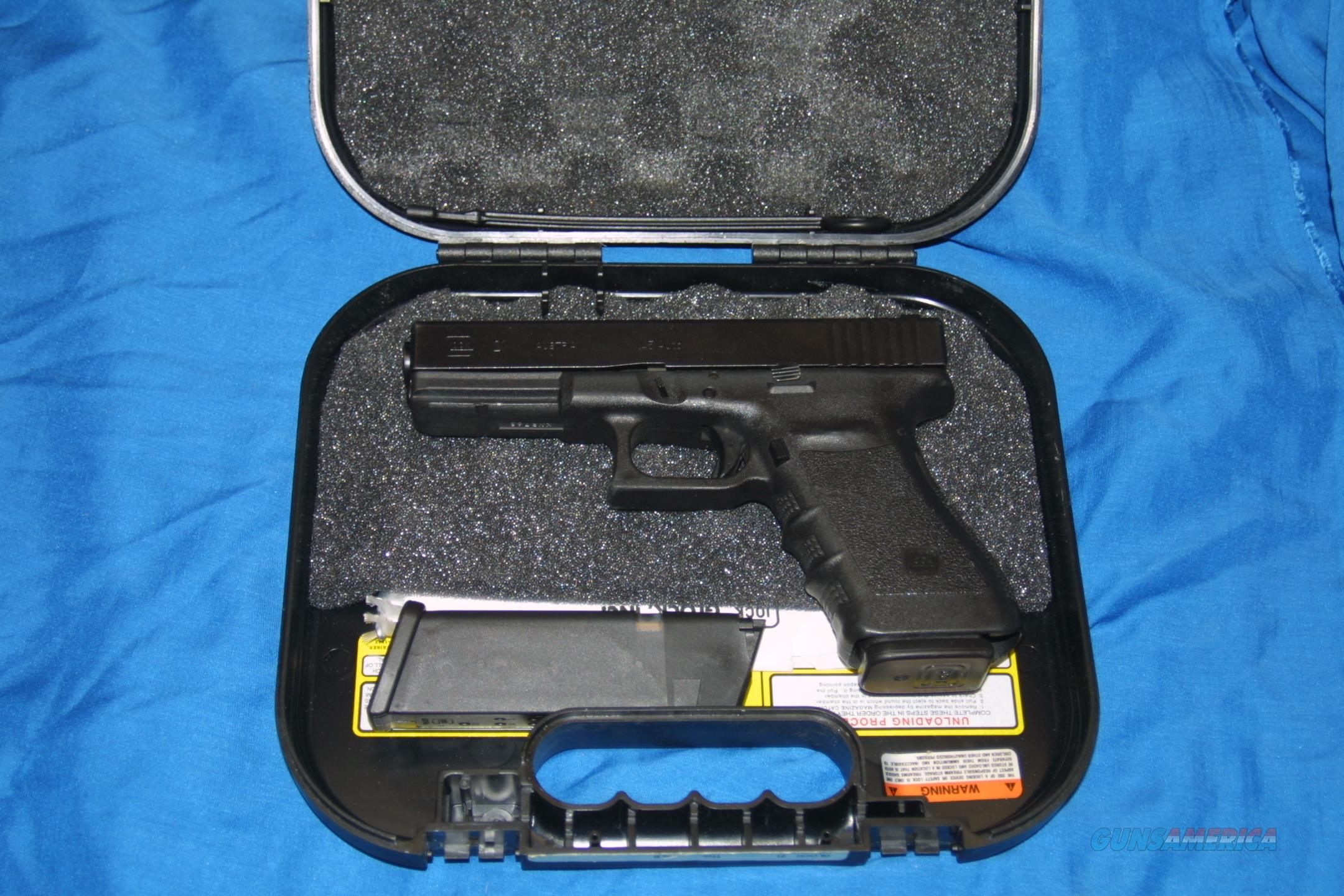 USED  GLOCK 21HI-CAP. GEN 3 IN 45ACP . TRIJICON NIGHT SIGHTS. LAW ENFORCEMENT TRADE IN. VERY GOOD TO EXCELLENT CONDITION  Guns > Pistols > Glock Pistols > 20/21