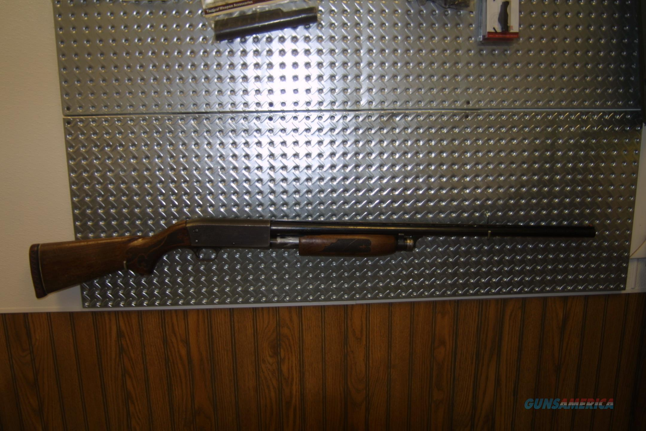 "ITHACA MODEL 37 ""FEATHERLIGHT."" 12 GAUGE W/2 BARRELS. ROUGH CONDITION.  Guns > Shotguns > Ithaca Shotguns > Pump"
