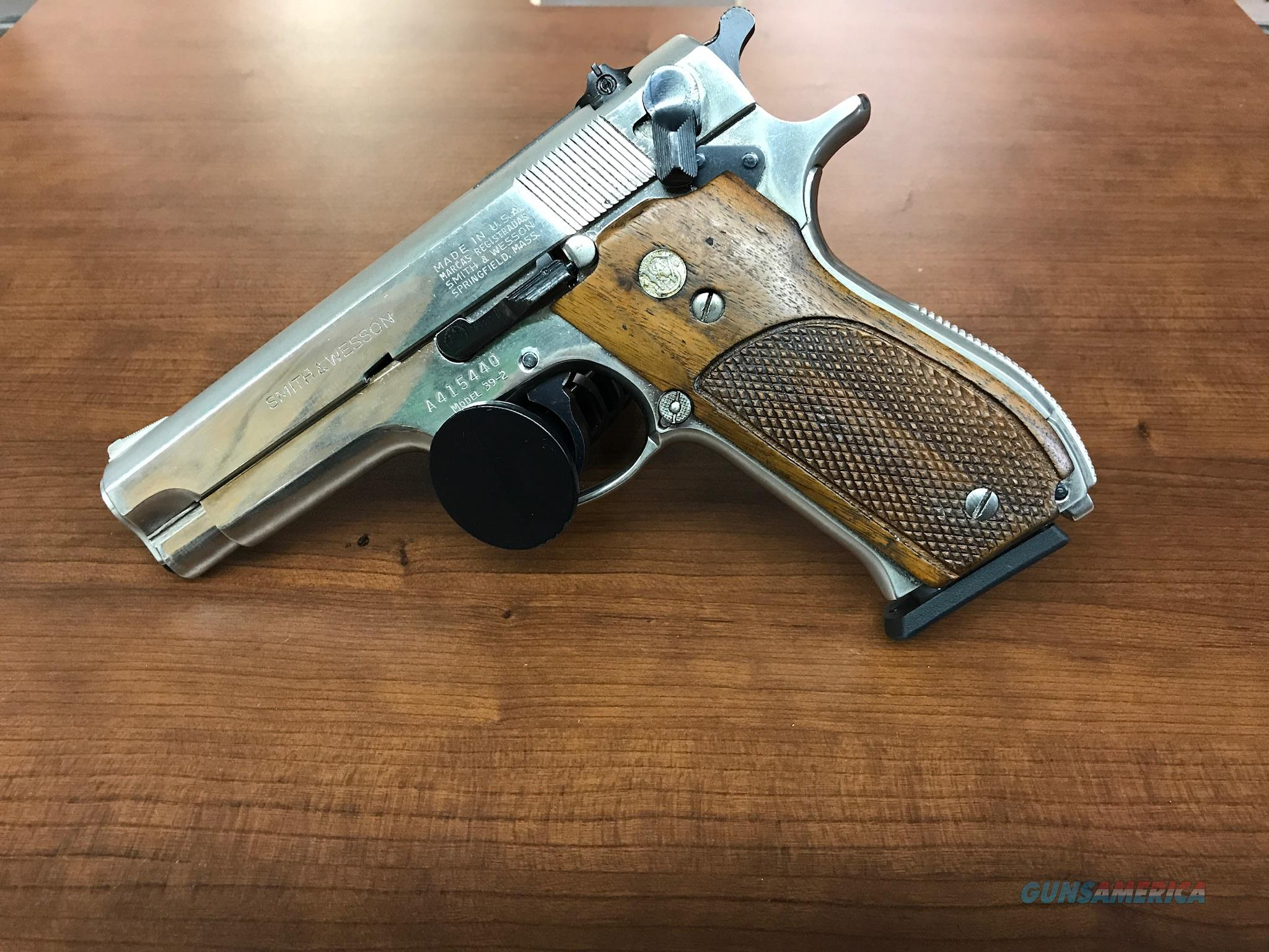 S&W Model 39-2 9mm Used  Guns > Pistols > Smith & Wesson Pistols - Autos > Alloy Frame