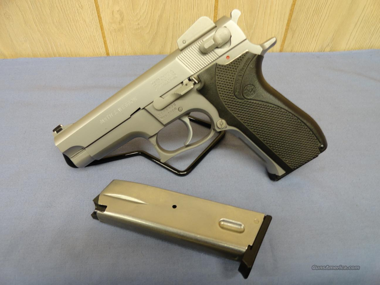 Smith & Wesson Model 5906 Stainless 9mm  Guns > Pistols > Smith & Wesson Pistols - Autos > Steel Frame