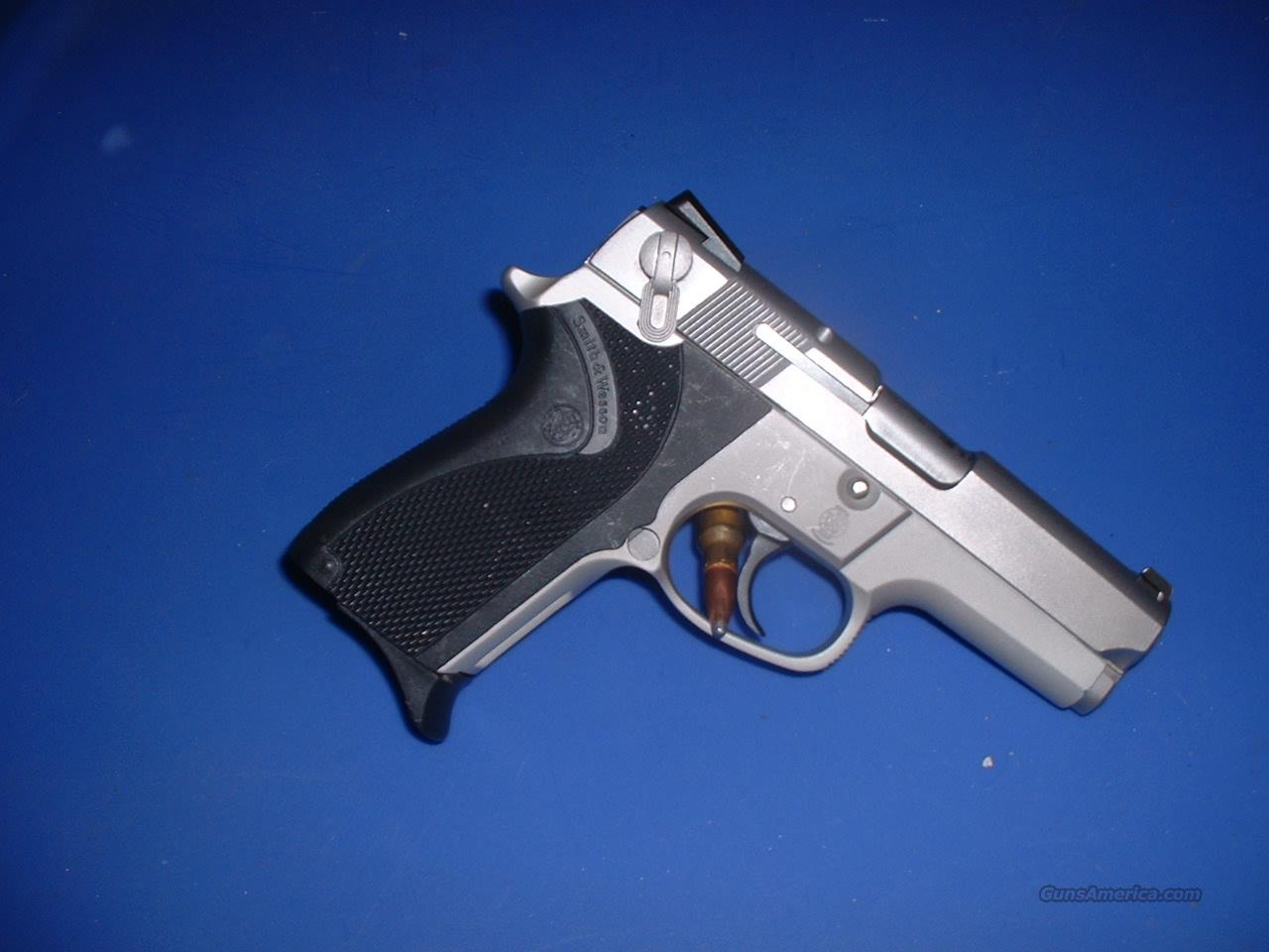 Smith & Wesson 6906  Guns > Pistols > Smith & Wesson Pistols - Autos > Polymer Frame