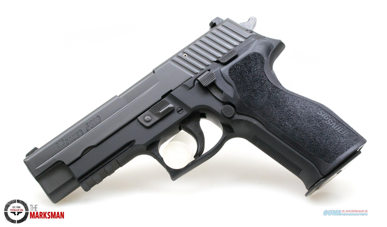 Sig Sauer P226, .40 S&W NEW Massachusett's Compliant  Guns > Pistols > Sig - Sauer/Sigarms Pistols > P226