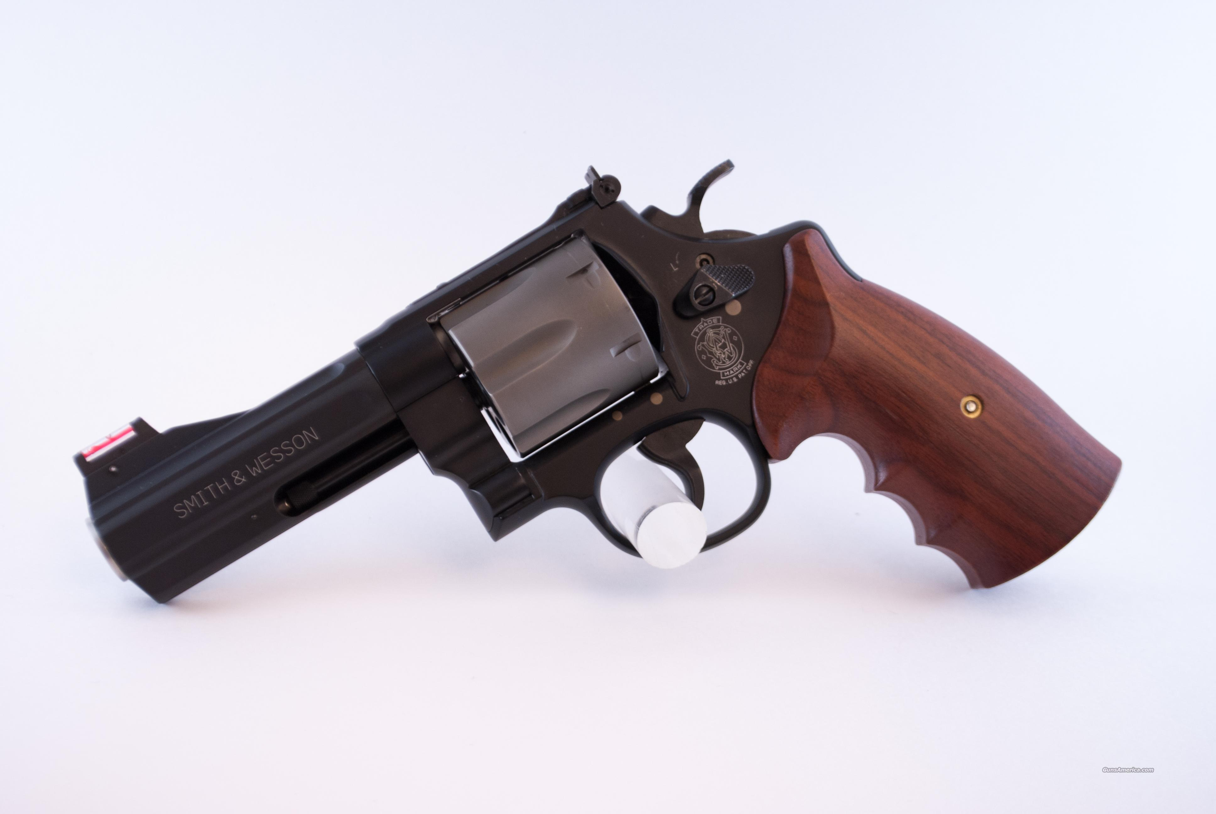 Smith and Wesson 329PD .44 SW S&W 329 PD  Guns > Pistols > Smith & Wesson Revolvers > Full Frame Revolver