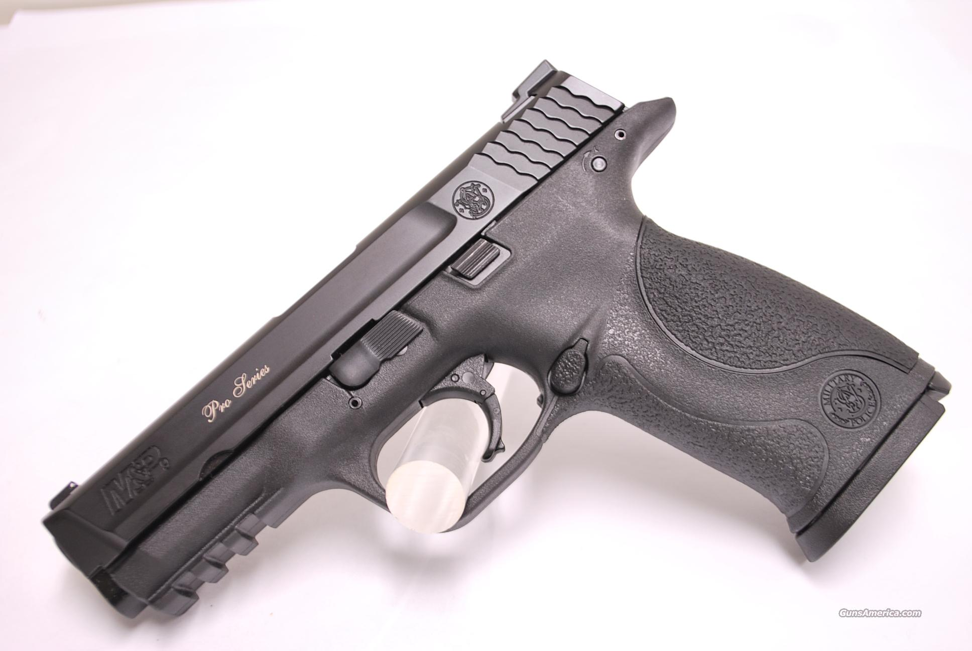 Smith and Wesson M&P9 Pro Series NEW 9mm Night Sights  Guns > Pistols > Smith & Wesson Pistols - Autos > Polymer Frame
