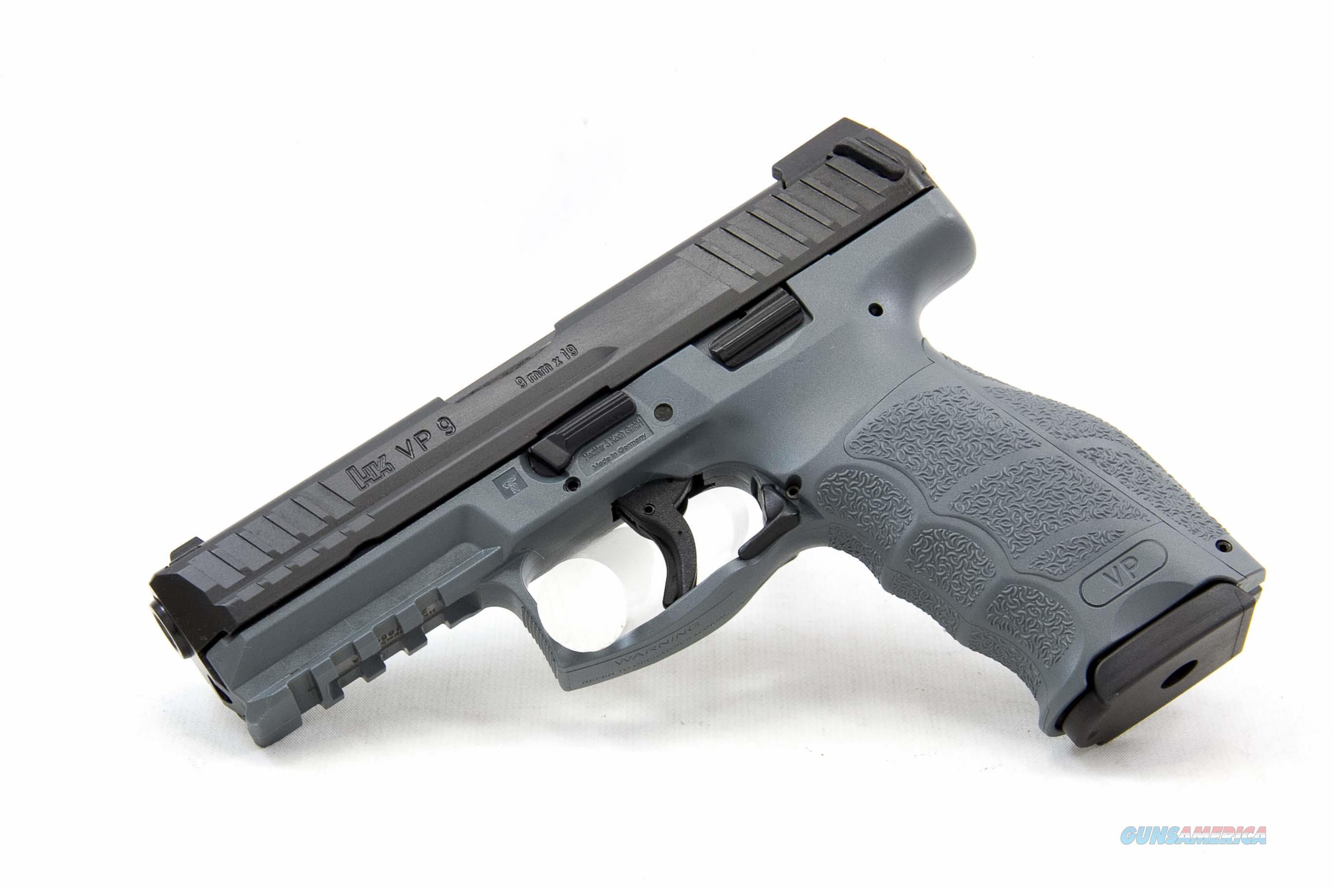 Heckler and Koch VP9, 9mm, Grey, Night Sights  Guns > Pistols > Heckler & Koch Pistols > Polymer Frame