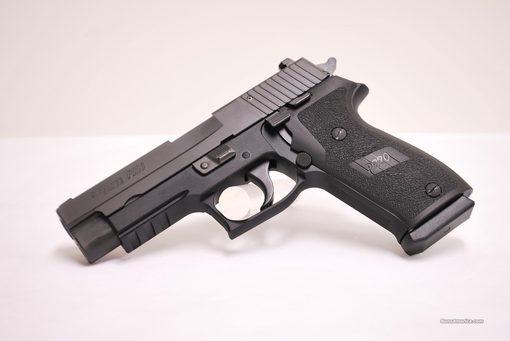 Sig Sauer P220, .45 ACP with Night Sights  Guns > Pistols > Sig - Sauer/Sigarms Pistols > P220