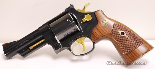 Smith and Wesson 4 Screw 29, .44 Magnum with Gold Accents  Guns > Pistols > Smith & Wesson Revolvers > Performance Center