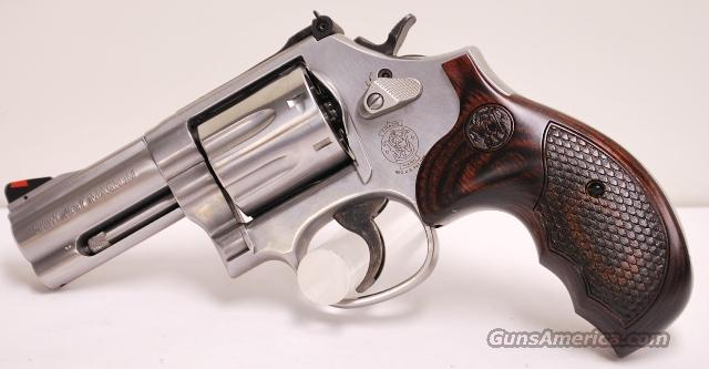 "Smith and Wesson 686 Plus Deluxe 357 Mag 3""   Guns > Pistols > Smith & Wesson Revolvers > Full Frame Revolver"