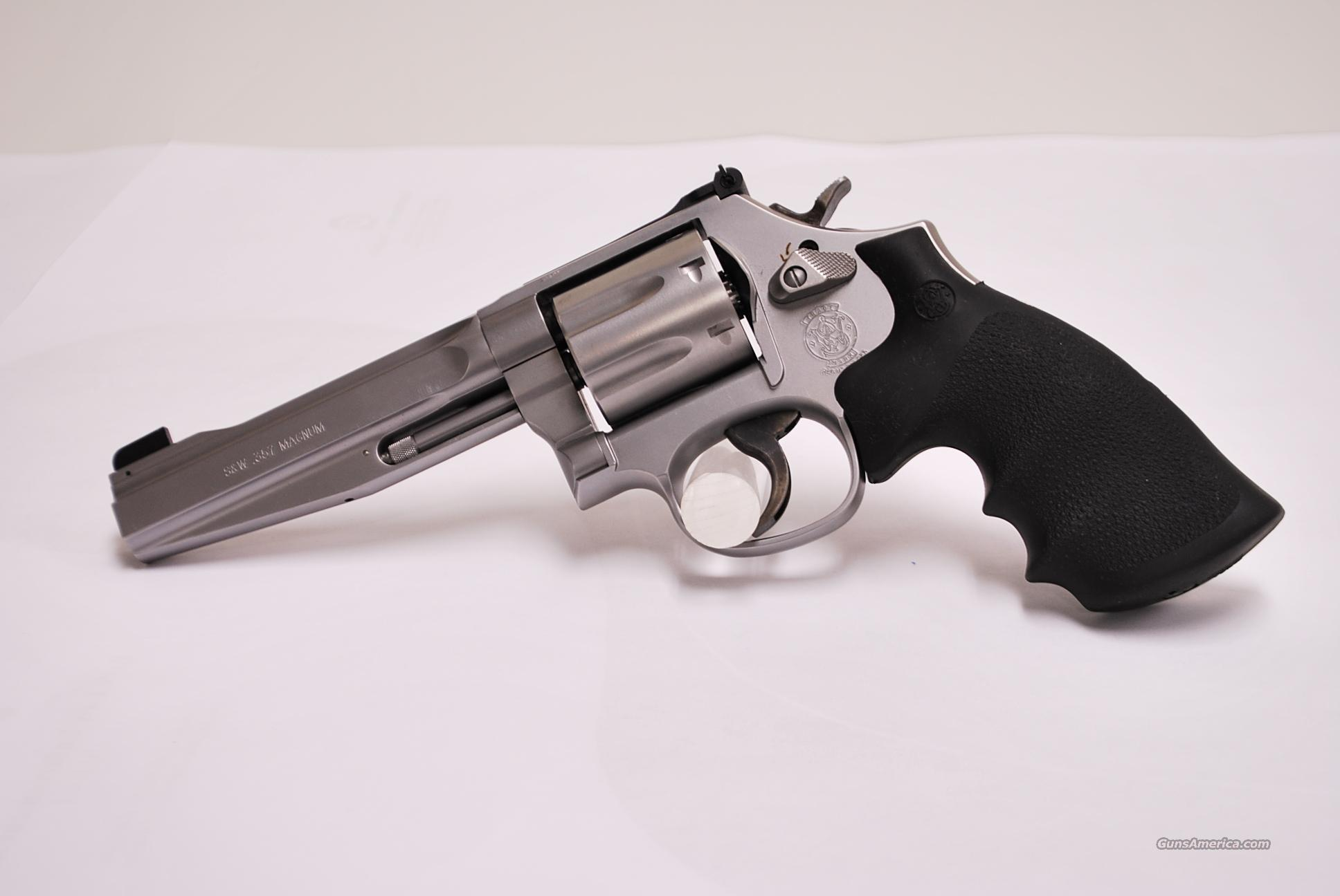 SMITH & WESSON 686 Plus Pro Series .357 Mag New S&W   Guns > Pistols > Smith & Wesson Revolvers > Full Frame Revolver
