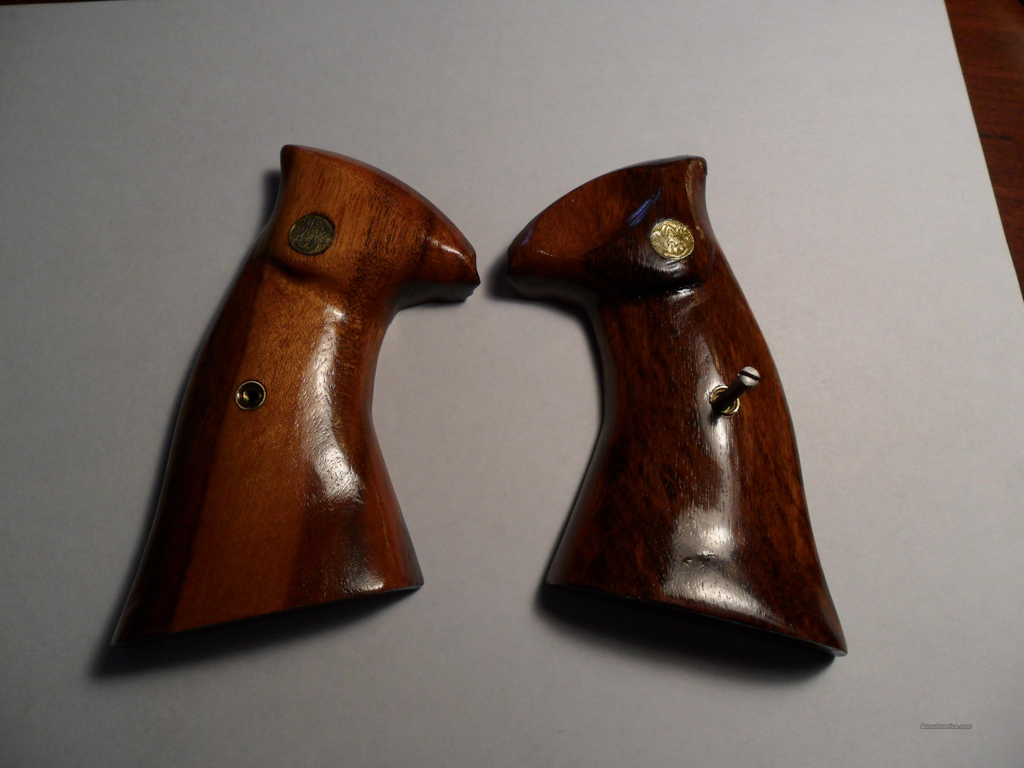 S&W Goncalo Alves Grips  Non-Guns > Gun Parts > Grips > Other