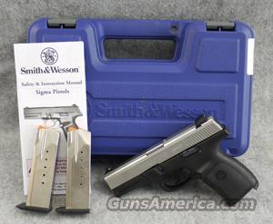 Smith & Wesson SW40VE Matte Stainless .40 S&W - VERY GOOD IN BOX  Guns
