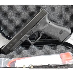 Glock 35 .40 S&W Pistol, Competition Model, Adjustable Sights, 15-Round Capacity, Internal Lock - LIKE NEW IN BOX!  Guns