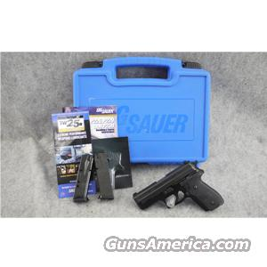 SIG-Sauer P229 .40 S&W - EXCELLENT WITH BOX!  Guns
