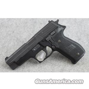 SIG-Sauer P226 Black Stainless .40 S&W - VERY GOOD  Guns