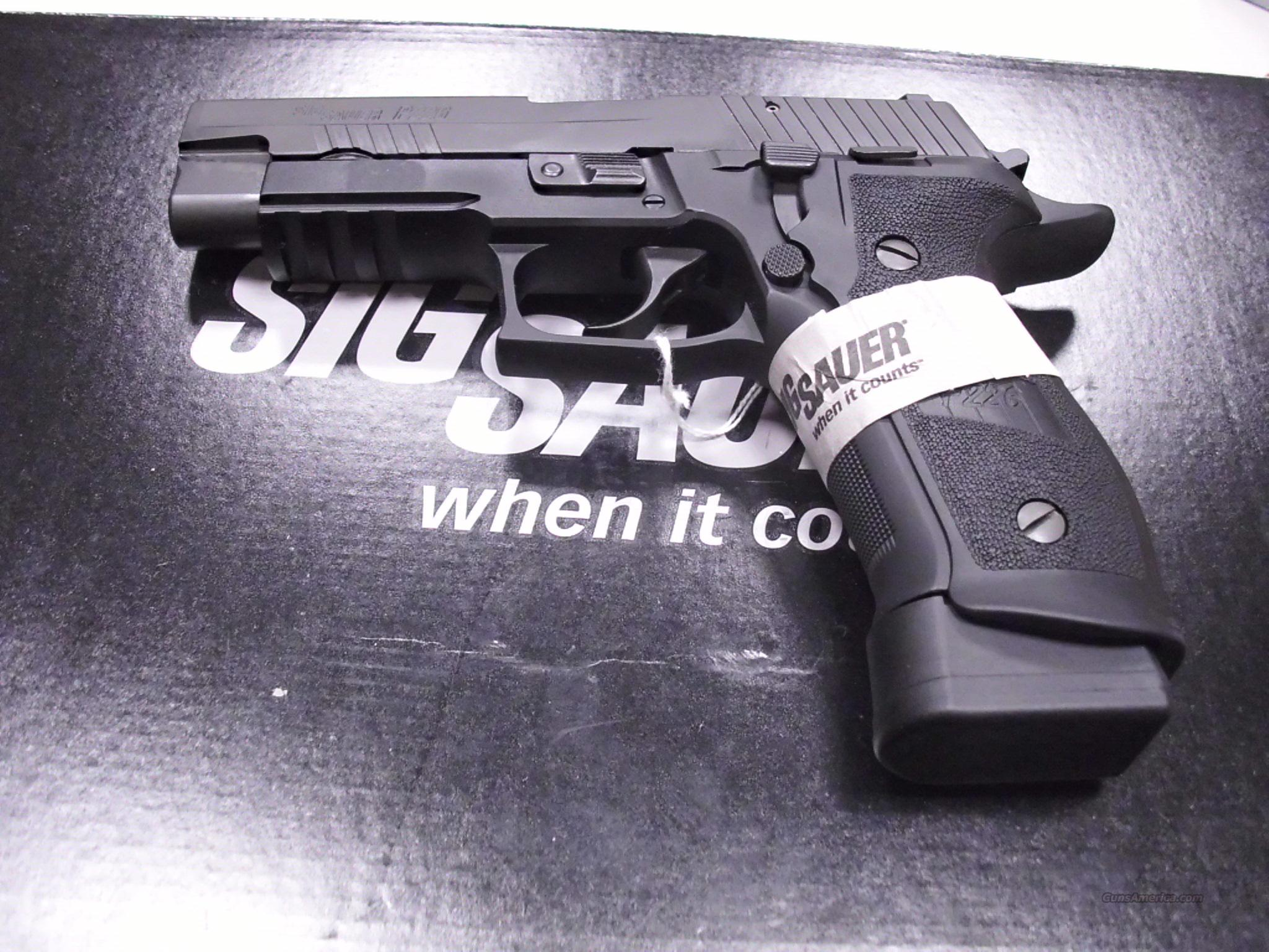 Sig Sauer P226 40SW Night Sights NEW   Guns > Pistols > Sig - Sauer/Sigarms Pistols > P226