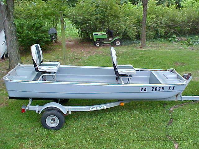 Coleman crawdad jon boat  & trailer  Non-Guns > Fishing/Spearfishing