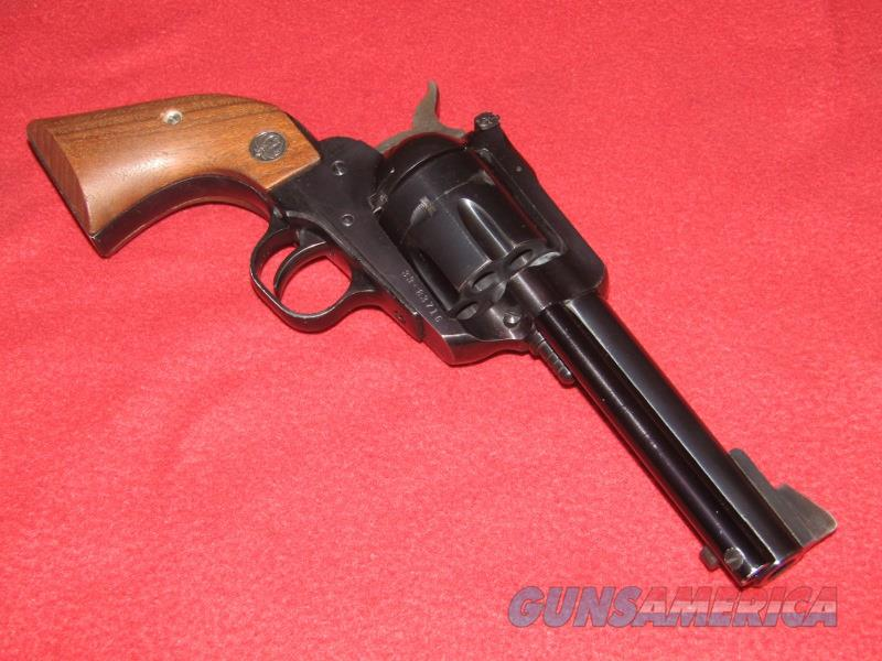 Ruger New Model Blackhawk Revolver (.357 Mag.)  Guns > Pistols > Ruger Single Action Revolvers > Blackhawk Type