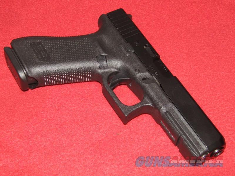 Glock 17 Gen 5 Pistol (9mm)  Guns > Pistols > Glock Pistols > 17