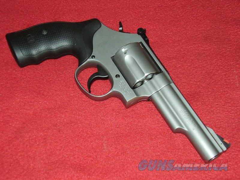 S&W Model 69 Revolver (.44 Mag.)  Guns > Pistols > Smith & Wesson Revolvers > Full Frame Revolver