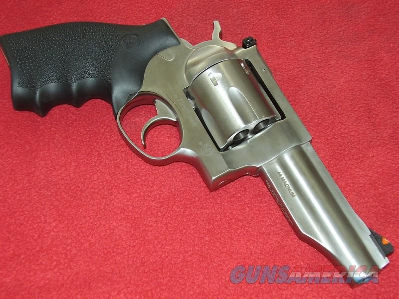 Ruger Redhawk Revolver (.44 Mag.)  Guns > Pistols > Ruger Double Action Revolver > Redhawk Type