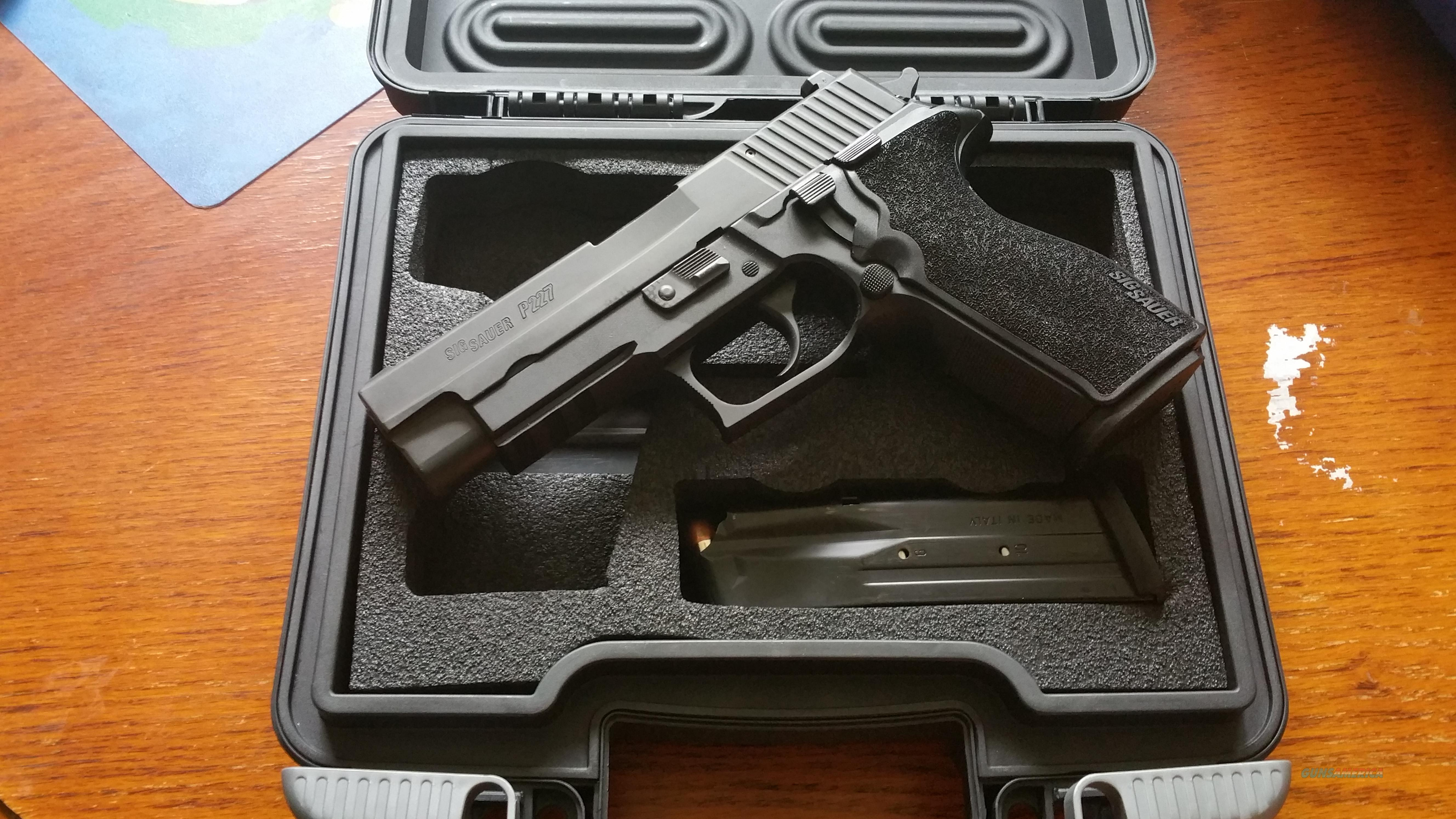 Sig P227 fired less than 100 rds 3 mags 2 holsters night sights  Guns > Pistols > Sig - Sauer/Sigarms Pistols > P227