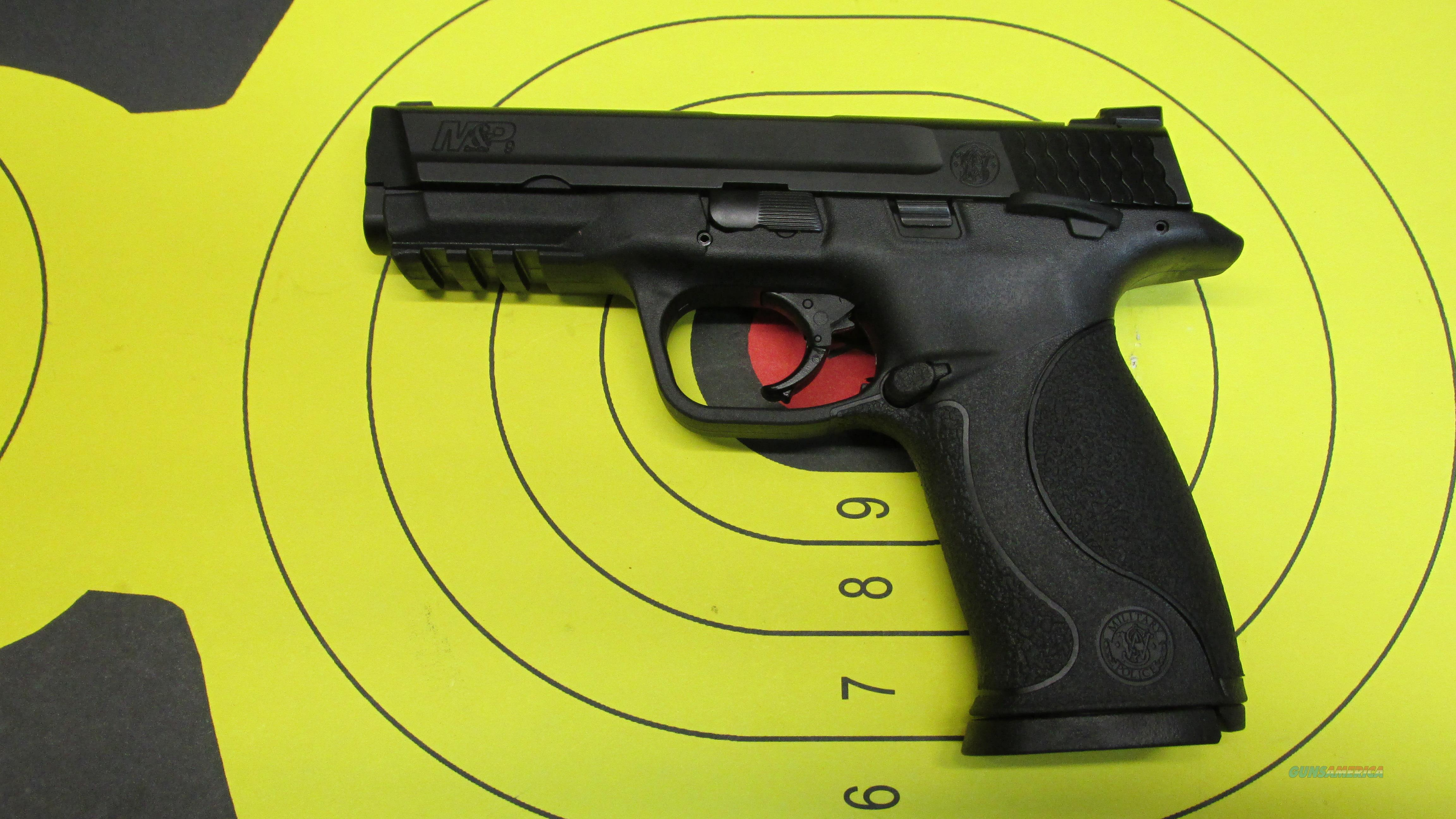 "SMITH & WESSON M&P 9, 9MM PISTOL BLACK, 2 17 ROUND MAGAZINES AND 4.25"" BARREL   Guns > Pistols > Smith & Wesson Pistols - Autos > Polymer Frame"