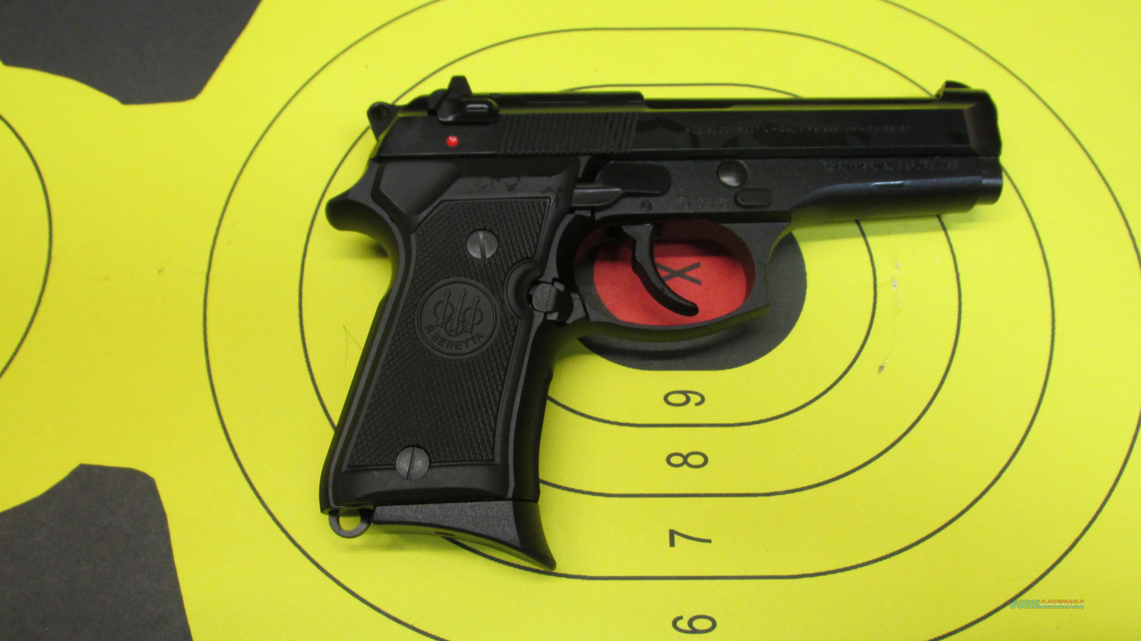 "BERETTA 92 COMPACT BLACK 9MM PISTOL 2 13 ROUND MAGS WITH 4.25"" BARREL  Guns > Pistols > Beretta Pistols > Model 92 Series"