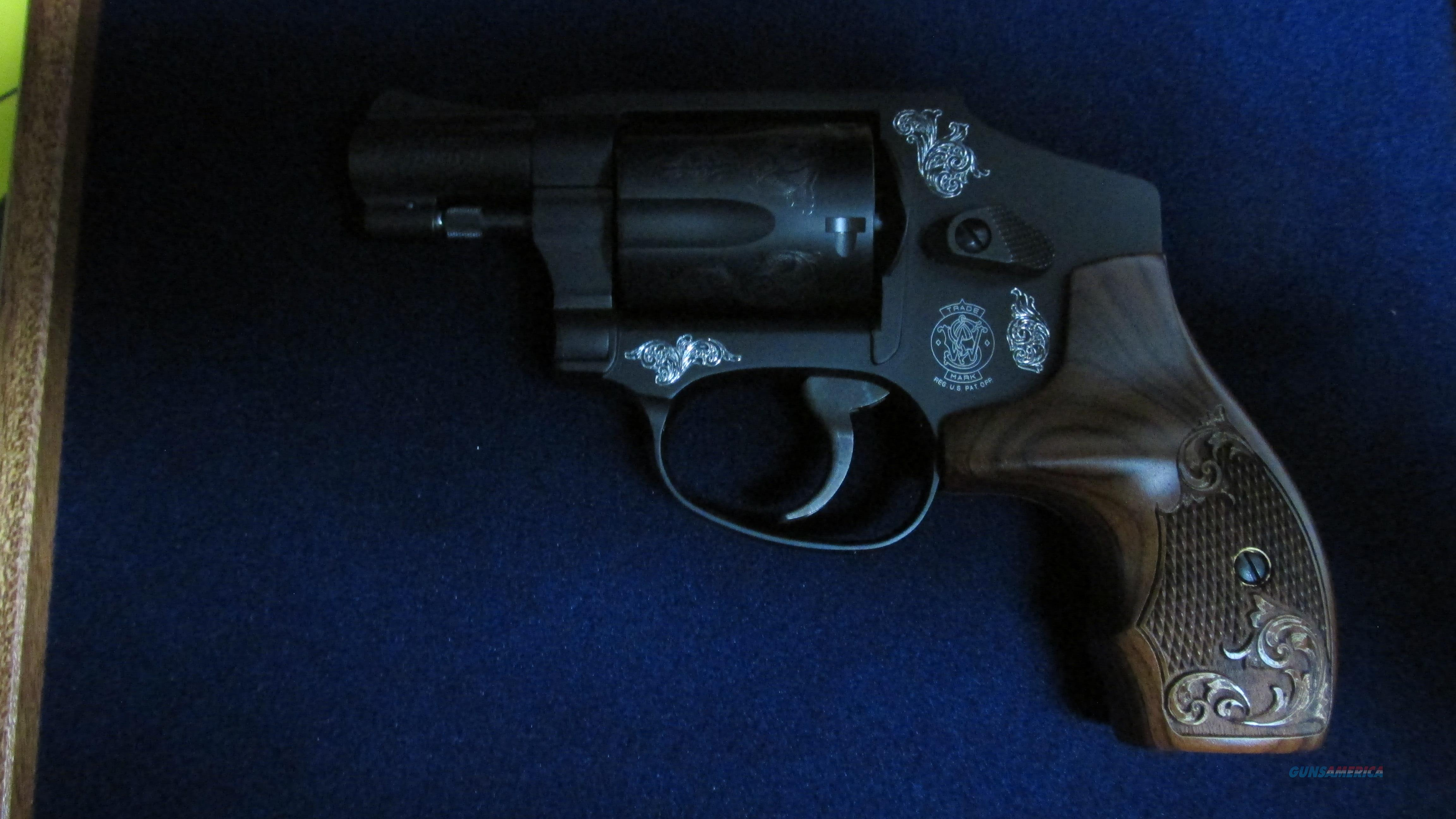 "SMITH & WESSON 442 ENGRAVED 38SPL 5 SHOT REVOLVER WITH 1.875"" BARREL. PRESENTATION BOX INCLUDED  Guns > Pistols > Smith & Wesson Revolvers > Small Frame ( J )"