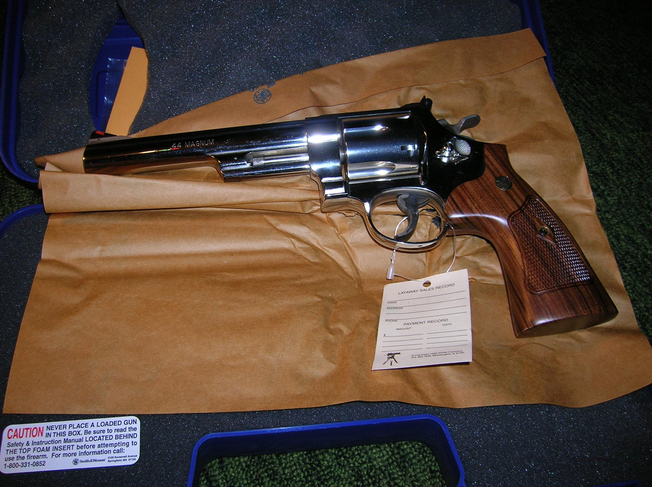 "SMITH AND WESSON 29 NICKEL 44 MANGNUM REVOLVER WITH 6-1/2"" BARREL  Guns > Pistols > Smith & Wesson Revolvers > Full Frame Revolver"