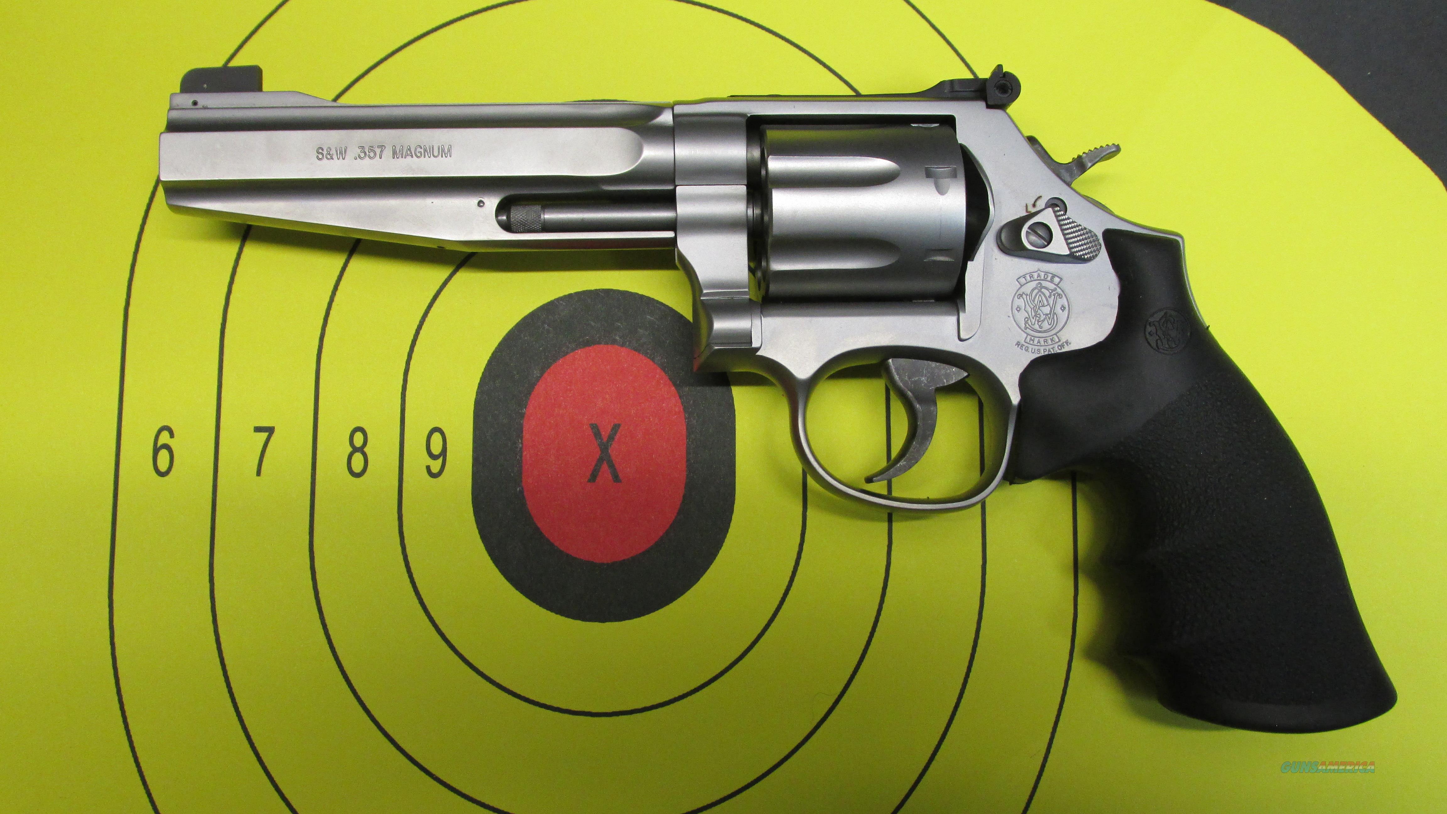 SMITH & WESSON 686 PLUS 7 SHOT REVOLVER  Guns > Pistols > Smith & Wesson Revolvers > Full Frame Revolver
