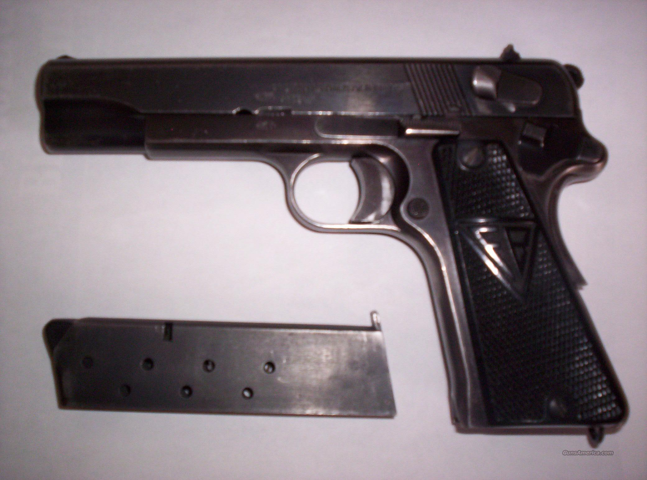 F.B. Radom 9mm  Guns > Pistols > Military Misc. Pistols Non-US