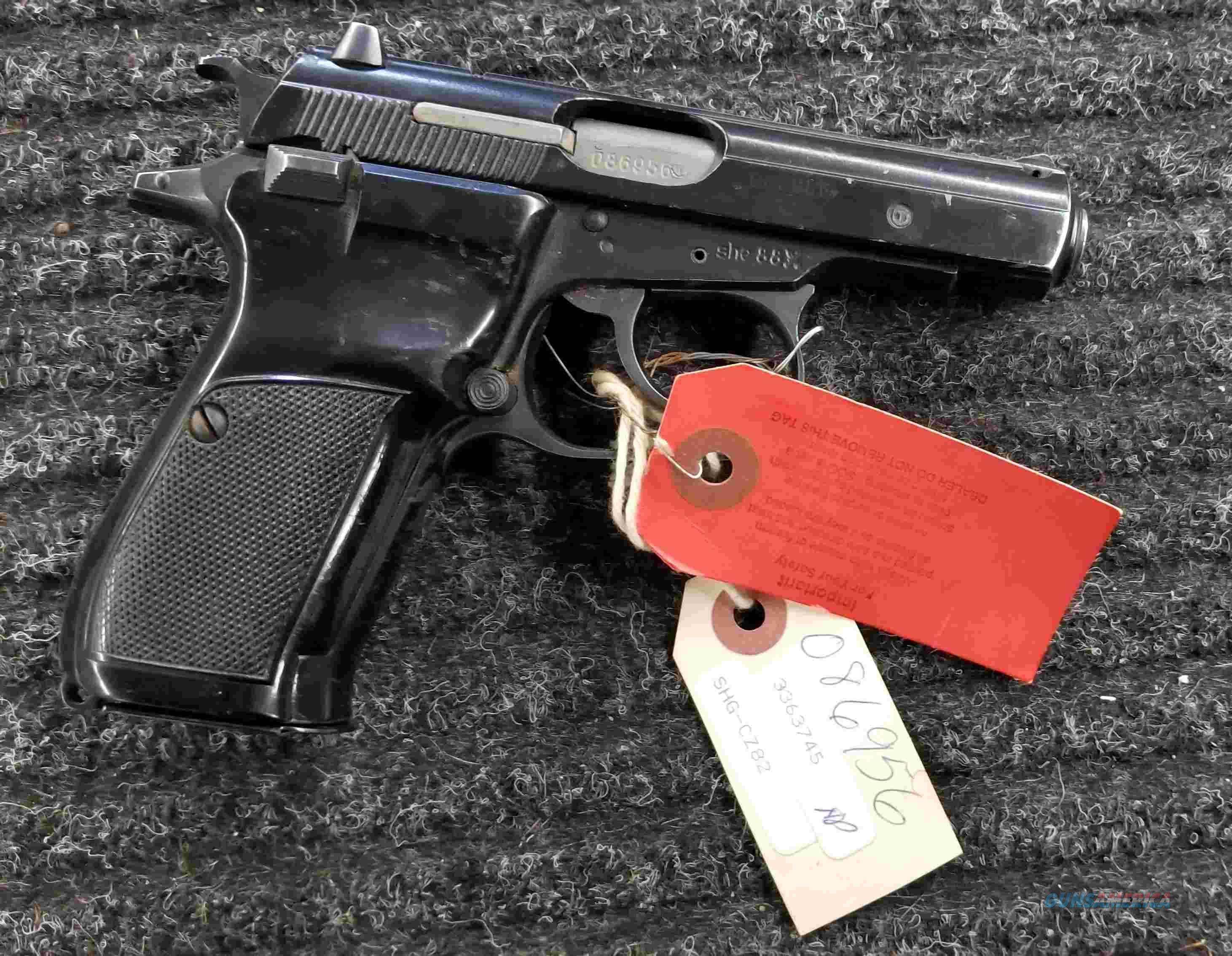 CZ 82 - 9x18 - Hoster & Extra Mag - Free Shipping !!!  Guns > Pistols > CZ Pistols