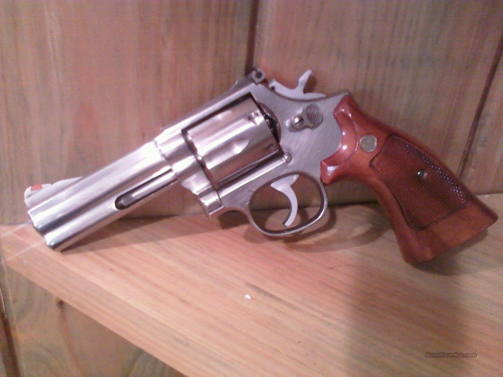 Smith and Wesson 686 No Dash stainless   Guns > Pistols > Smith & Wesson Revolvers > Full Frame Revolver