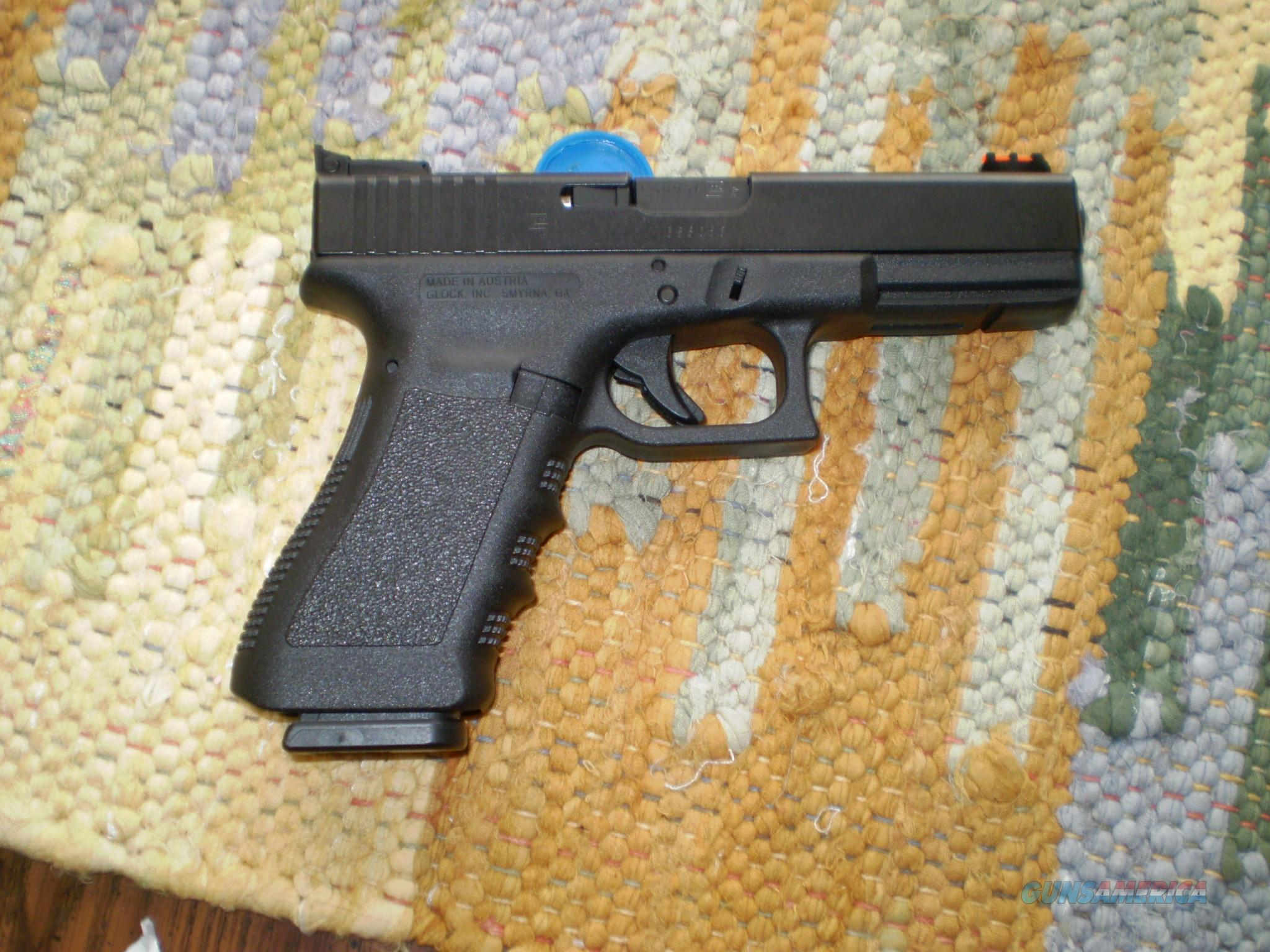 Glock 22  with fiber optic sights   NICE!  Guns > Pistols > Glock Pistols > 22