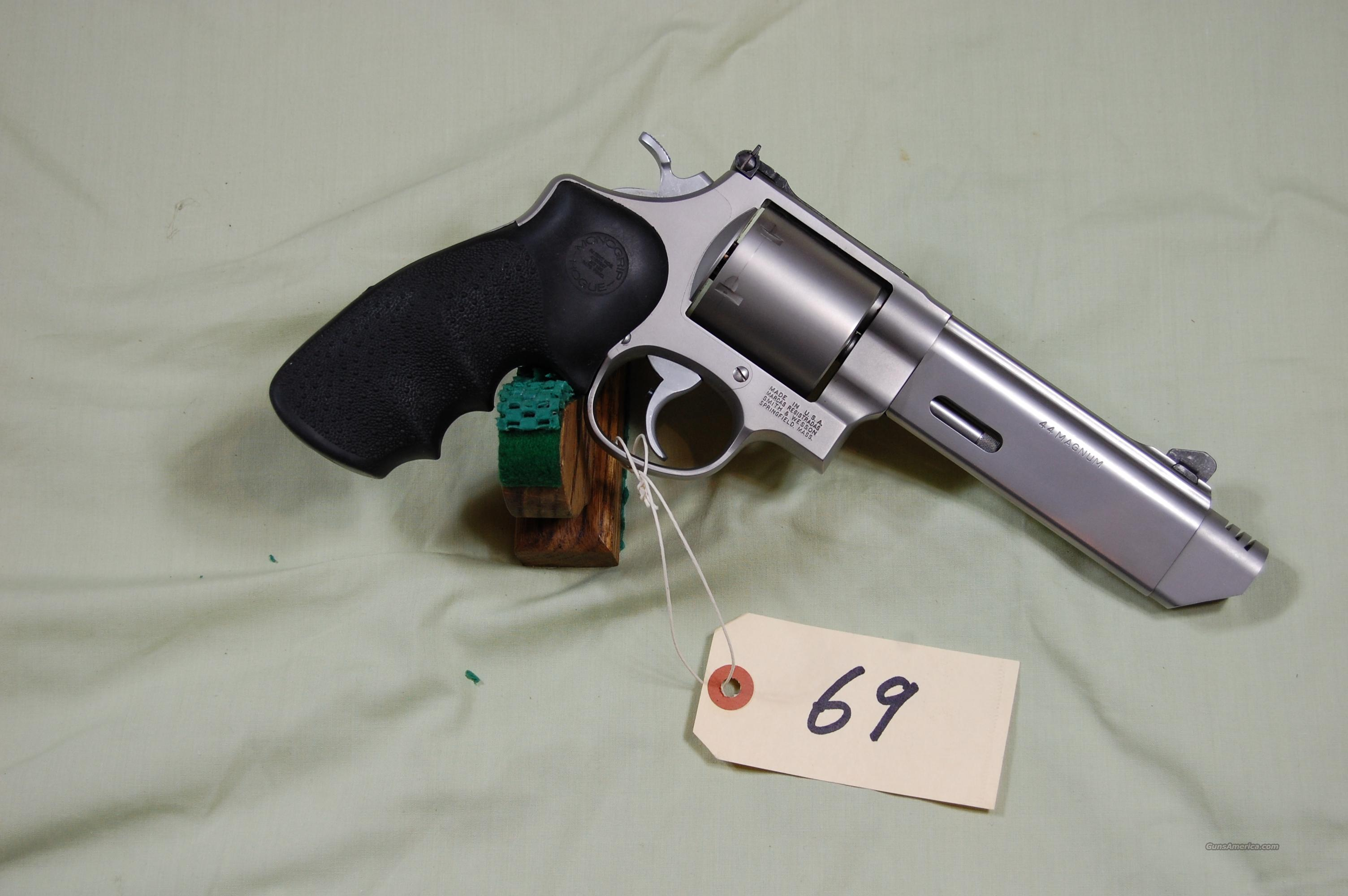 SMITH & WESSON MODEL 629-5  Guns > Pistols > Smith & Wesson Revolvers > Performance Center