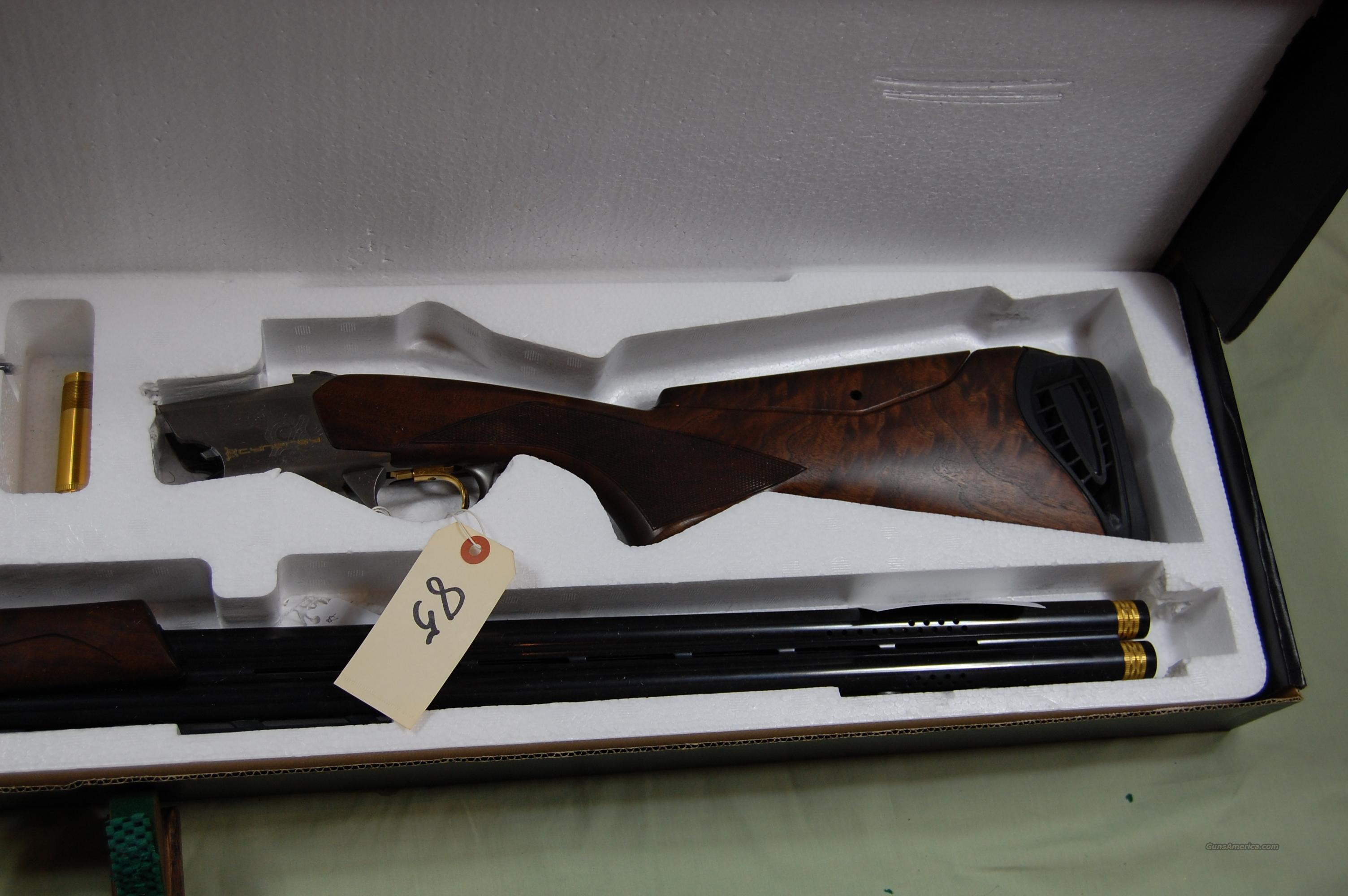 BROWNING CYNERGY. LIKE NEW IN BOX. BEAUTIFUL WOOD.   Guns > Shotguns > Browning Shotguns > Over Unders > Cynergy > Trap/Skeet