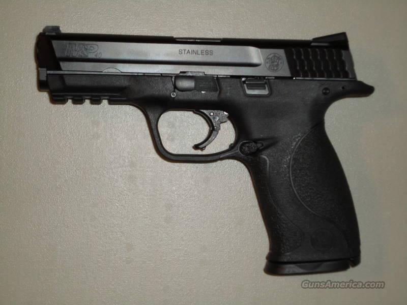 S&W M&P40  4.25 Barrel/Black Finish 15R   Guns > Pistols > Smith & Wesson Pistols - Autos > Polymer Frame