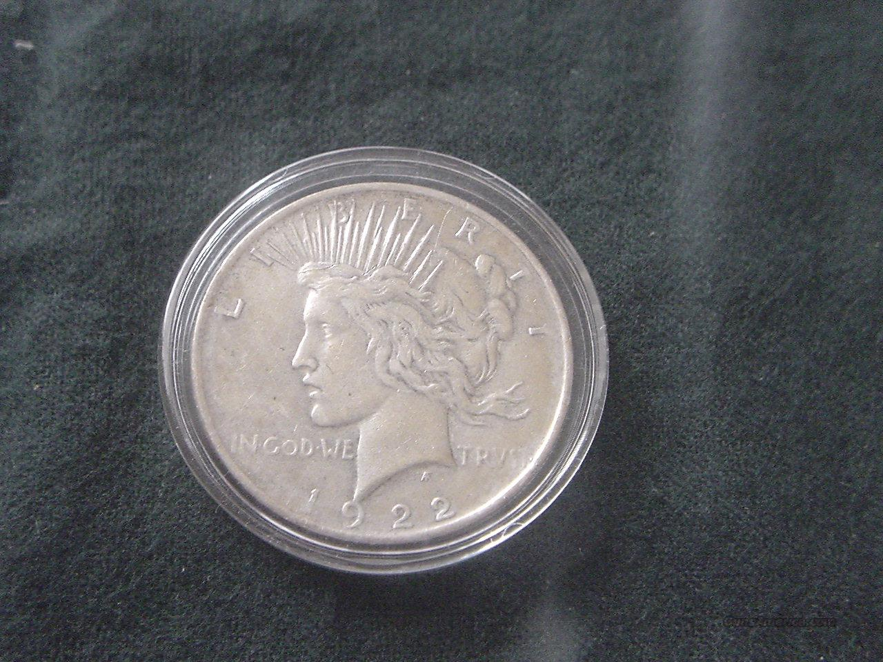 1922 Silver Peace Dollar  Non-Guns > Coins