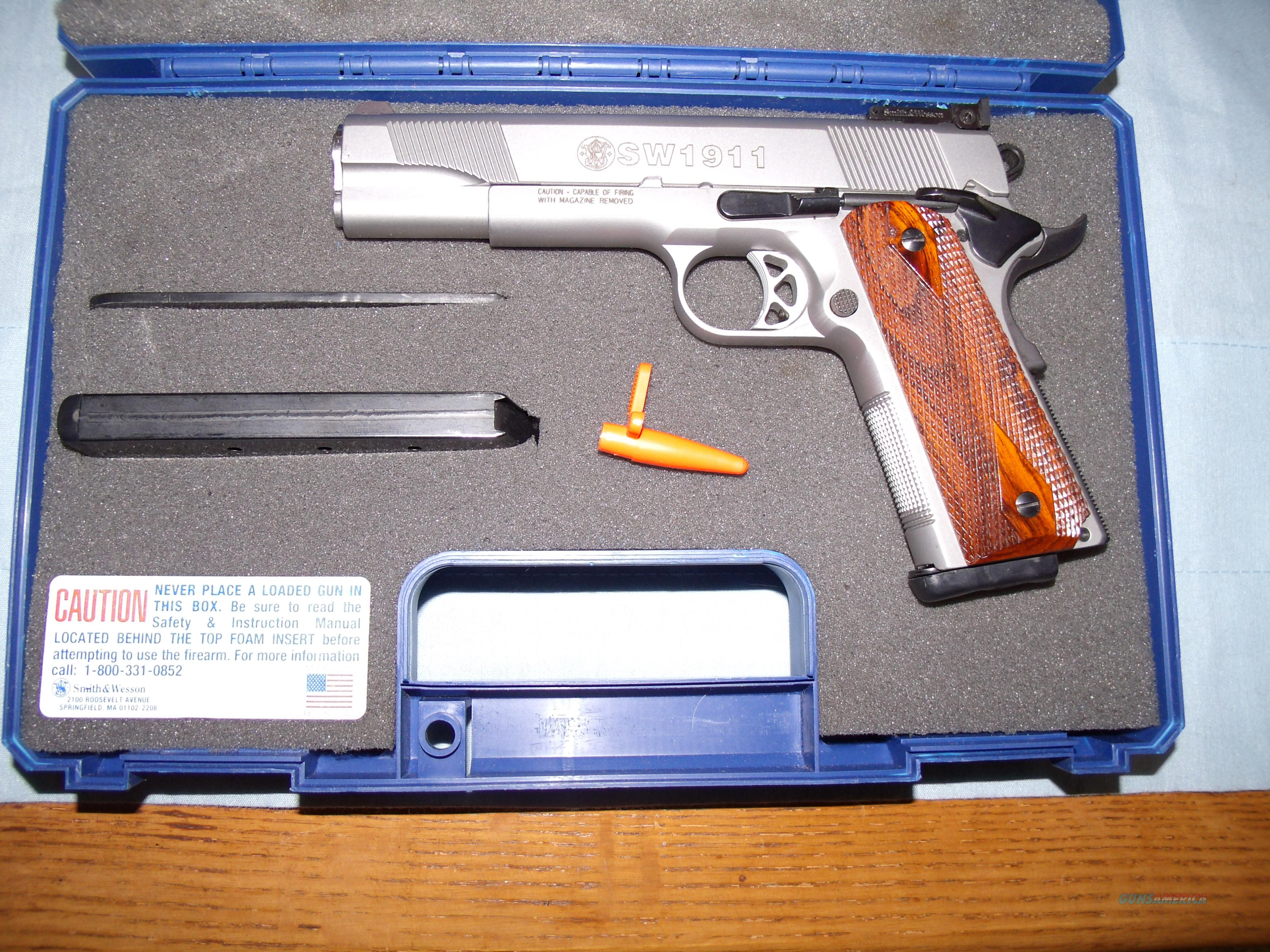 S&W 1911  TARGET , STAINLESS STEEL  Guns > Pistols > Smith & Wesson Pistols - Autos > Steel Frame