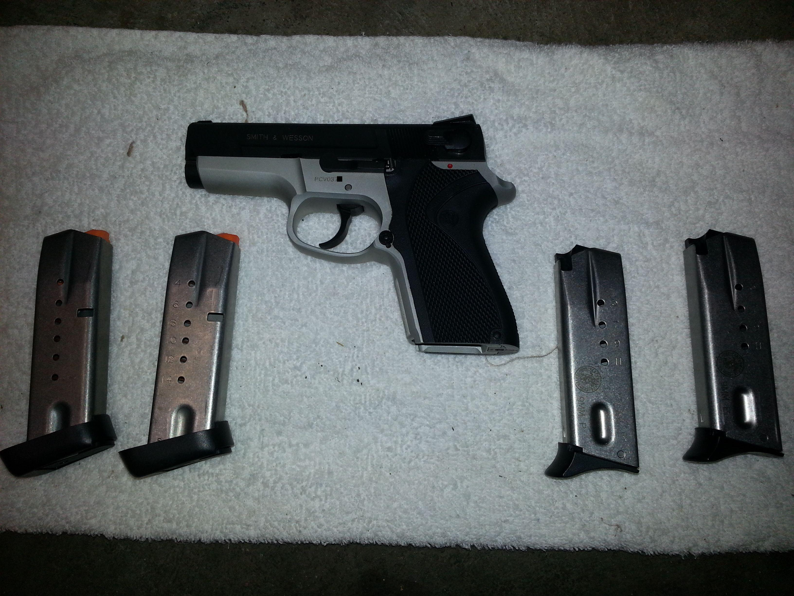 smith and wesson PC 9   Guns > Pistols > Smith & Wesson Pistols - Autos > Steel Frame
