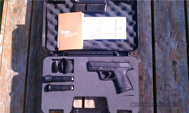 S&W M&P9c 9mm Compact *Night Sights*  Guns > Pistols > Smith & Wesson Pistols - Autos > Polymer Frame