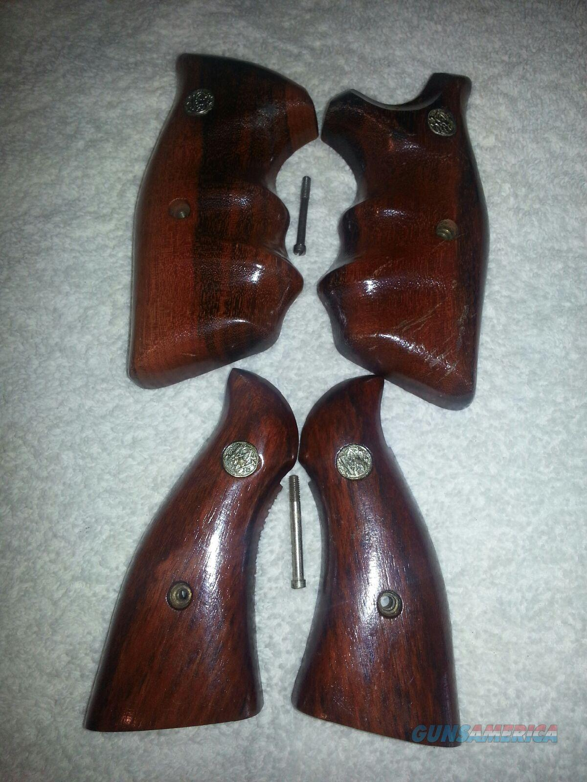 S&W K OR L FRAME SQ BUTT 2 PAIR OF GRIPS COMBAT AND SMOOTH WOOD COMBAT STYLE  Non-Guns > Gunstocks, Grips & Wood