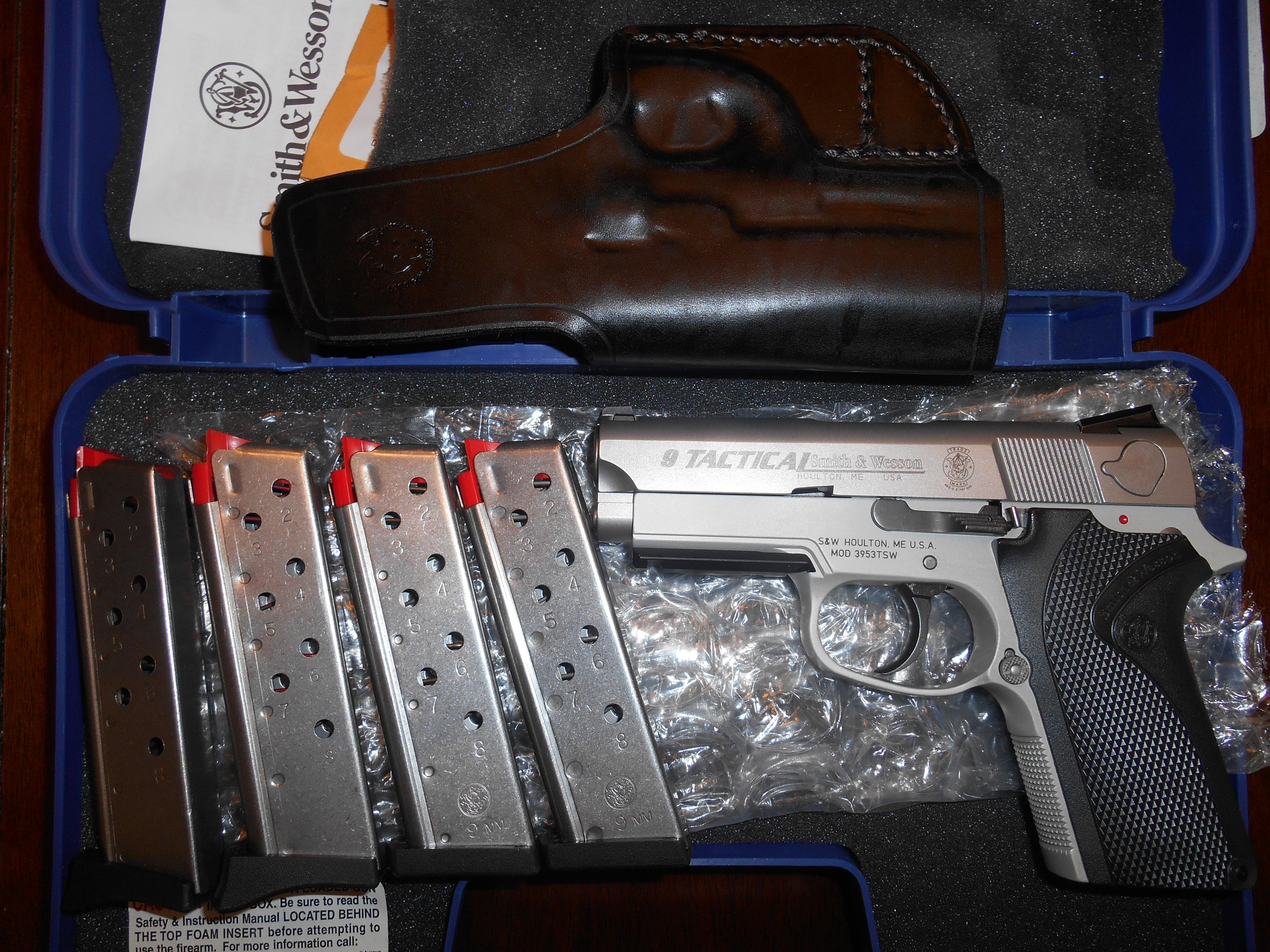 Rare S&W Smith and Wesson 3953 TSW (DAO 3913) plus Extras  Guns > Pistols > Smith & Wesson Pistols - Autos > Alloy Frame