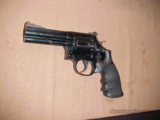 SW 586-4 Blue Steel revolver 357 magnum  Guns > Pistols > Smith & Wesson Revolvers > Full Frame Revolver