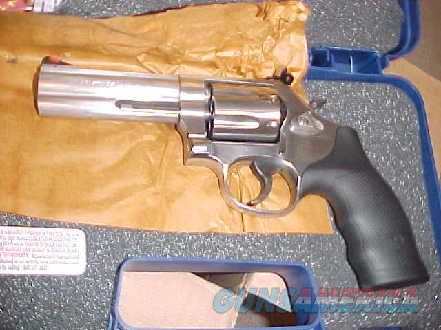"S&W 686 PLUS S/S 357 MAG 4"" NIB  Guns > Pistols > Smith & Wesson Revolvers > Full Frame Revolver"