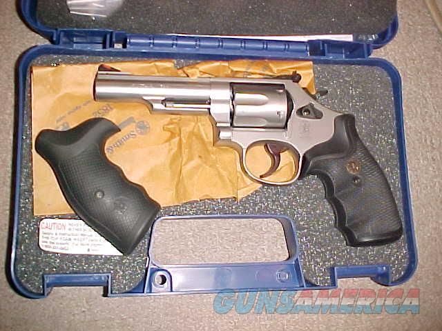 SMITH WESSON 66-8 STAINLESS 357  Guns > Pistols > Smith & Wesson Revolvers > Med. Frame ( K/L )