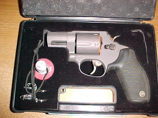 Taurus 450 Titanium revolver in 45 colt   Guns > Pistols > Taurus Pistols/Revolvers > Revolvers