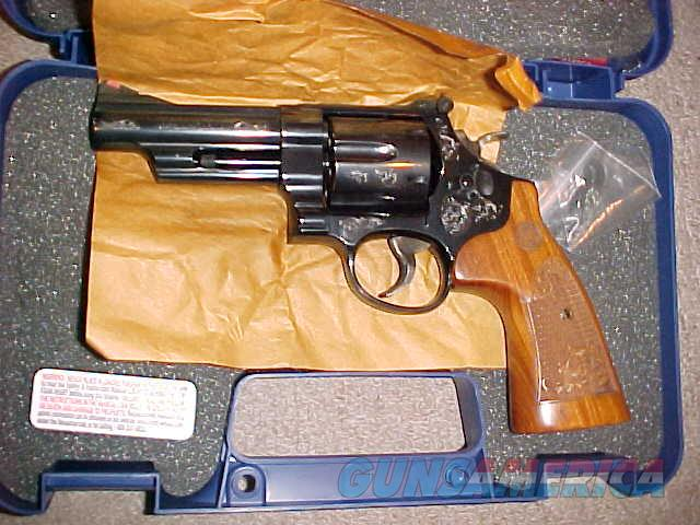 SMITH WESSON 29-10 ENGRAVED 44MAGNUM  Guns > Pistols > Smith & Wesson Revolvers > Full Frame Revolver