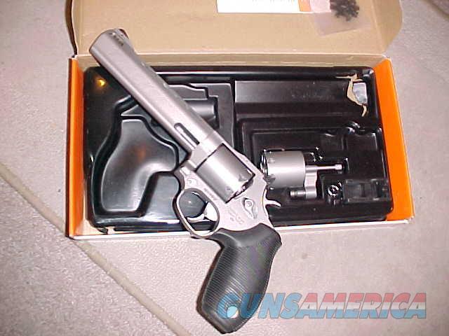 TAURUS 692  SS TRACKER 357/9MM COMBO  Guns > Pistols > Taurus Pistols > Revolvers
