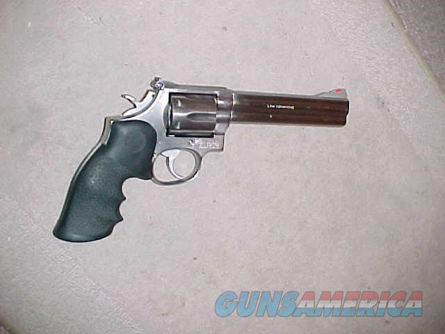 S&W 686  ( NO DASH ) EARLY MODEL 357 MAG  Guns > Pistols > Smith & Wesson Revolvers > Med. Frame ( K/L )